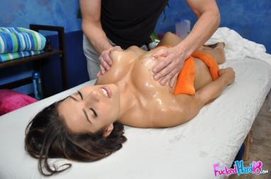 Big Long Hard Cock For Hungry For Sex Superb Milf (mckenzie lee) video-23