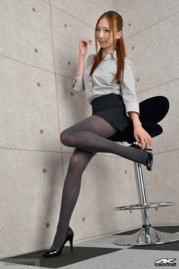 Girls in pantyhose free pics very