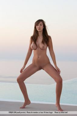 The body was also beautiful and slender