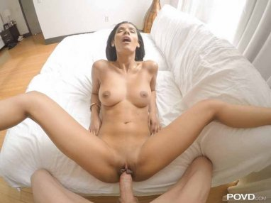 sexdate with a cute horny brunette