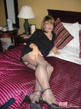 Free pics of amateur crossdressers happiness!