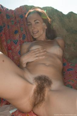 Girls garry pussy naked — photo 10