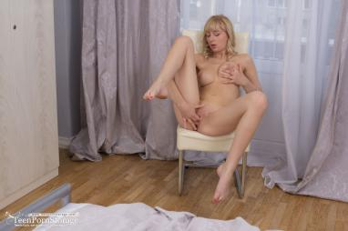Tempting Ariel Grace wanted a hard and strong to screw