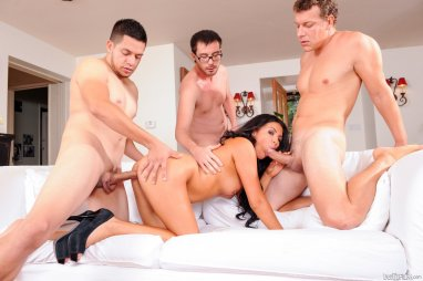 CUM4K Threesome With Multiple Creampies For Thanksgiving