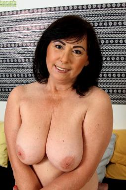 Amateur mature thumb gallery busty — img 3