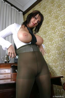 Big tits wearing tights